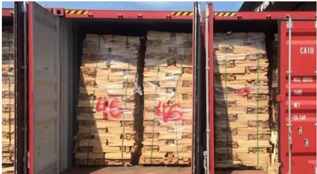越南:超100柜走私木材集装箱被查获!.jpg