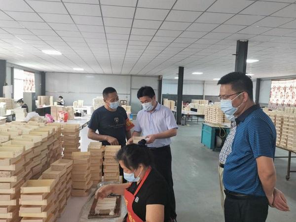 安徽大庄镇板材家具等3个10亿特色产业集群初具规模