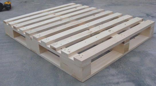 不同材料的实木托盘之间存在的差异