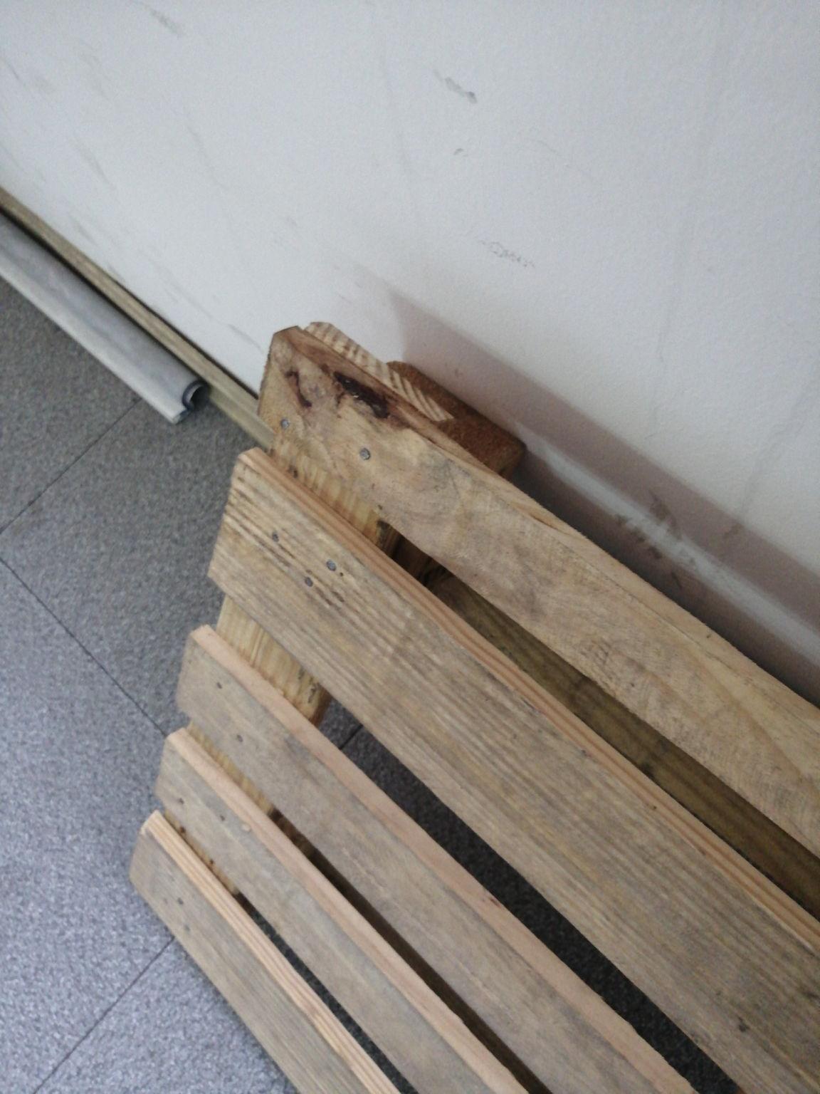 盐城杂木托盘厂家下面着重介绍原木托盘的其的各项性能
