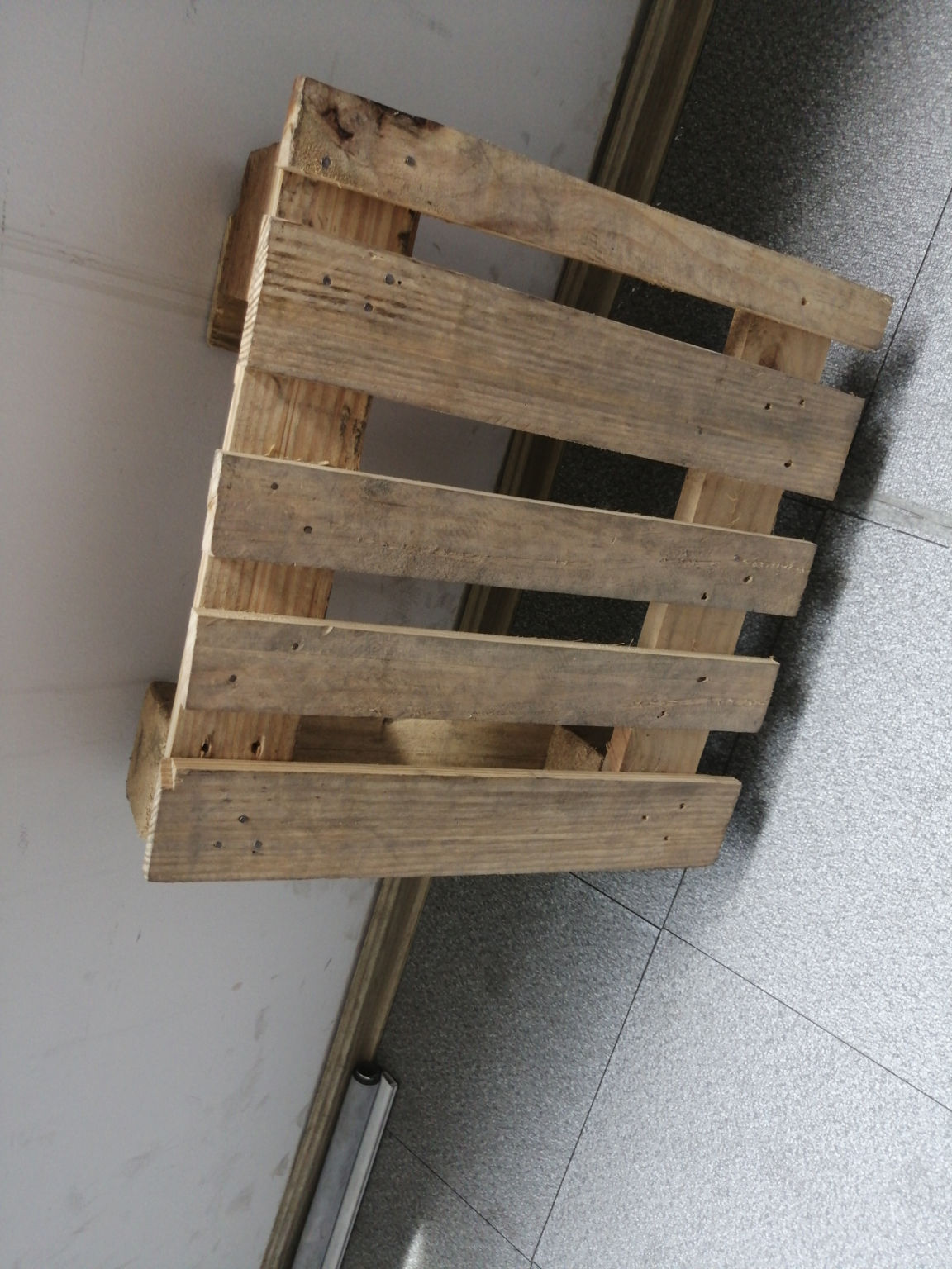 出售标准木托盘生产商之一麦森不生产pe托盘