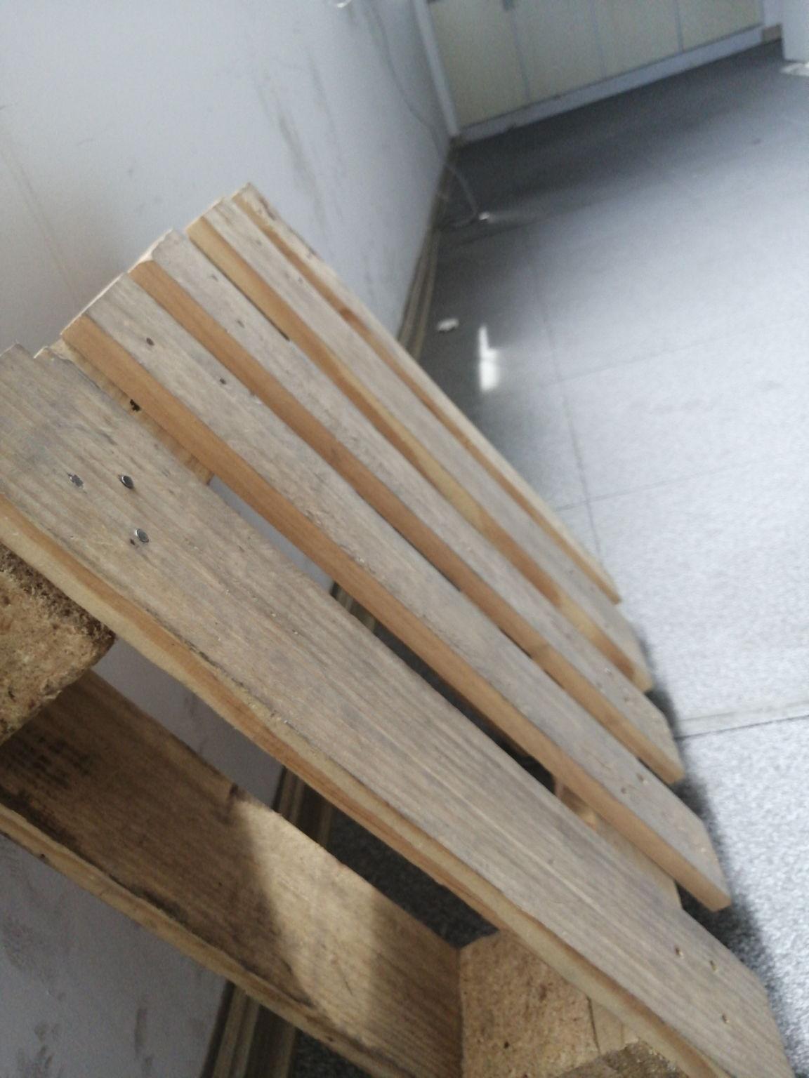 嘉兴长期方形木托盘图片,∳❖♥✎乡下工地的一堆木托盘啊~~