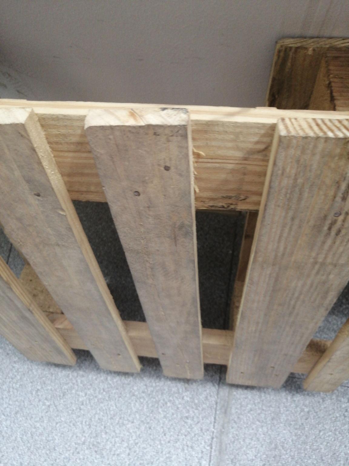 海盐专门旧木托盘加工之前去朋友家看他家做的木料