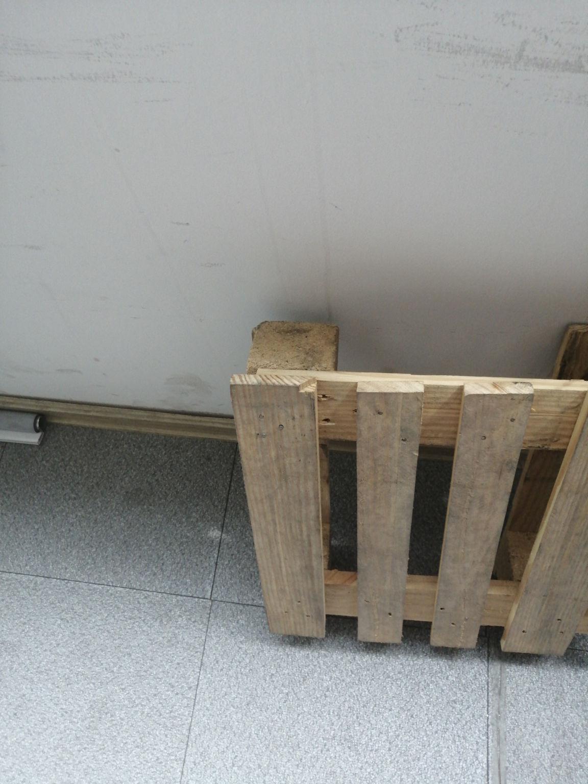 苏州定做方形木托盘供应商——起阳托盘厂出货量大的托