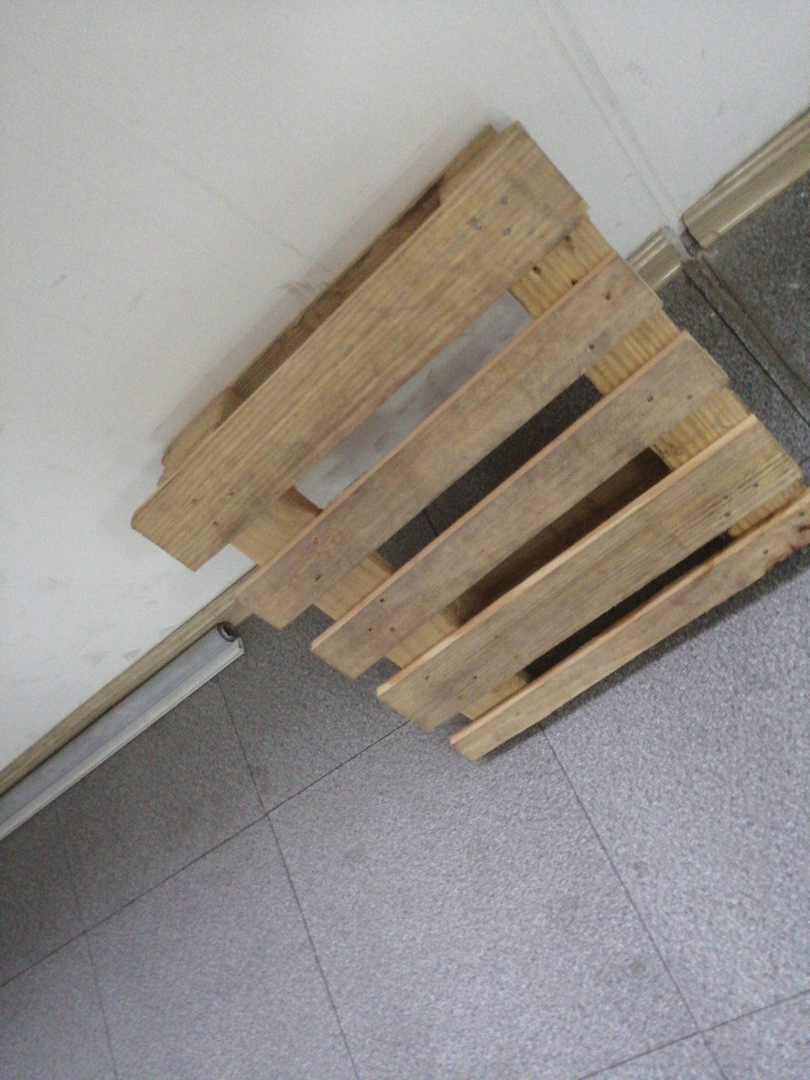杭州?,ⓖ┃↓?质全木托盘生产厂家介绍